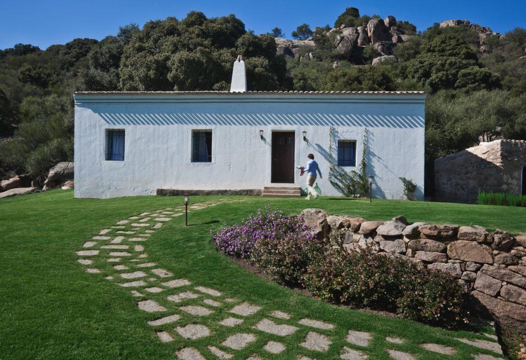 Lo stazzo, casa di pietra avente una struttura particolare