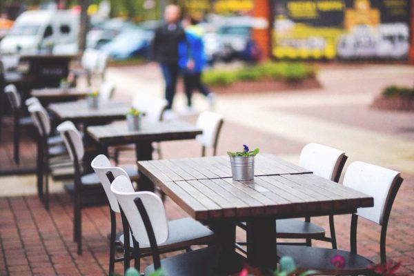 Ampliamento di concessione di suolo pubblico per bar, ristoranti e librerie