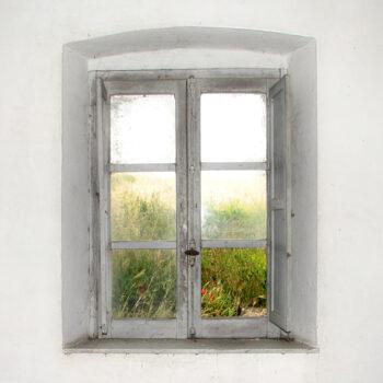 Aprire una finestra nel muro o lucernario nel tetto: permessi e costi 2020