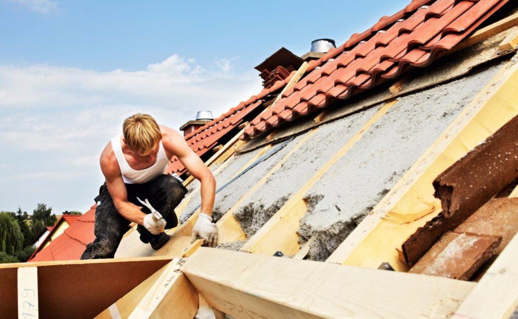 Autorizzazioni rifacimento tetto: manutenzione straordinaria
