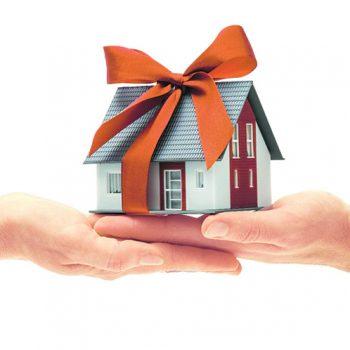 Donazione immobiliare: come funziona e costi